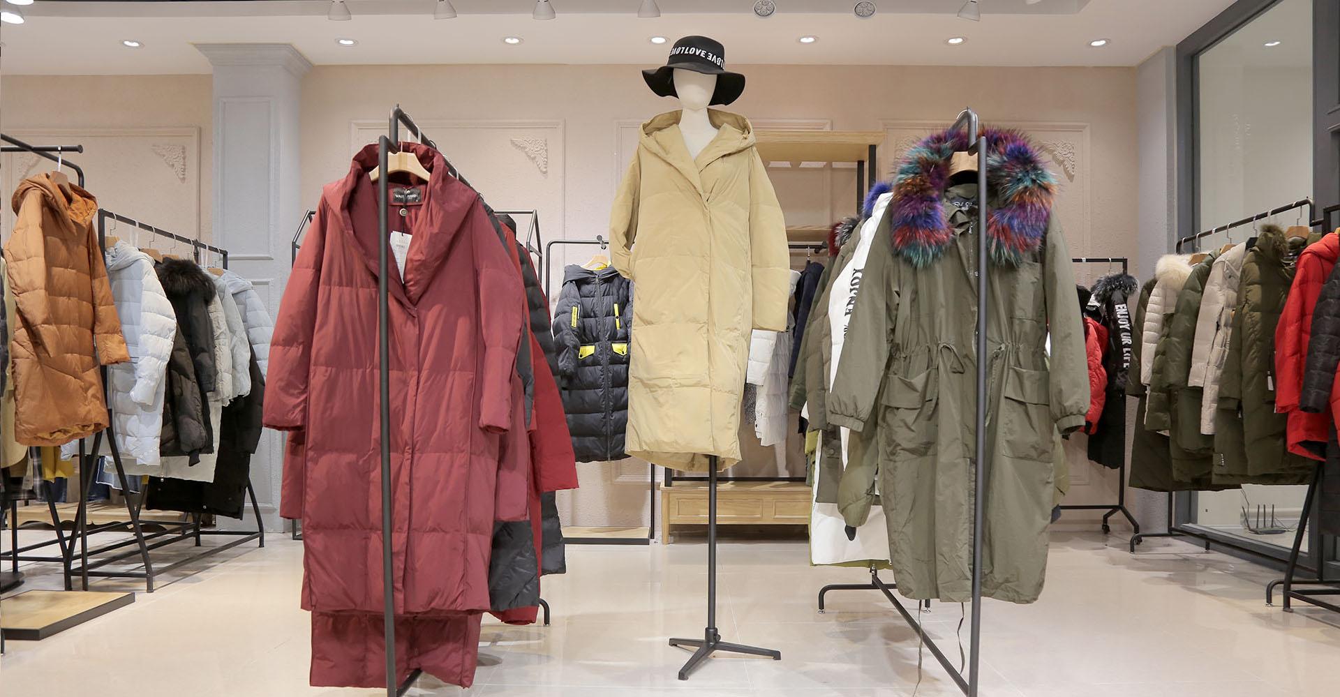 初冬尾货服装批发市场换季拿货 想不囤货又高盈利要注意哪些