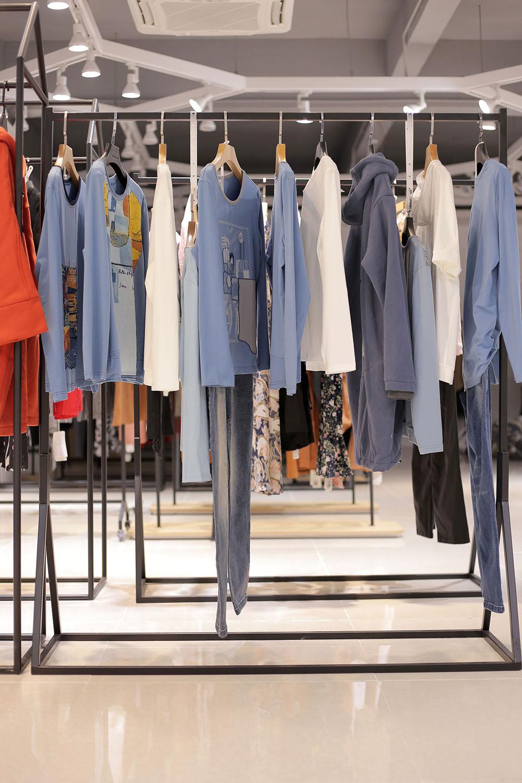 尾货服装中的服饰面料无纺布的生产工艺步骤